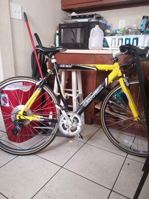 GMC Denali road bike for Sale in St. Petersburg, FL