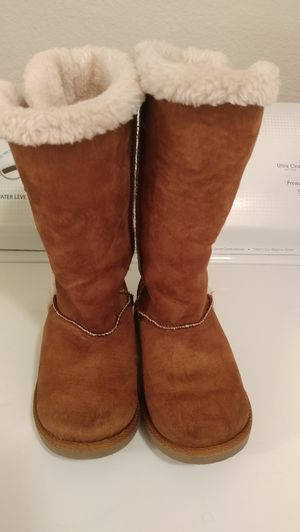 Brown Girls Boots Size. 1 for Sale in El Paso, TX