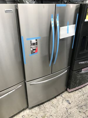 Smudge proof new Frigidaire French door bottom freezer we deliver for Sale in Anaheim, CA