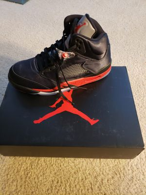 Jordan Retro 5 Size 9.5 for Sale in Wheaton, MD