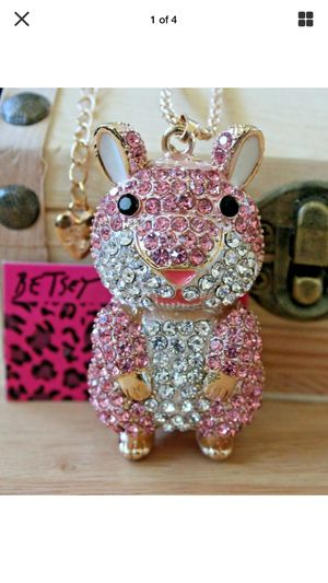 Bestsey Johnson 3 d rhinestone chip munk pink& silver on gold chain for Sale in Northfield, OH