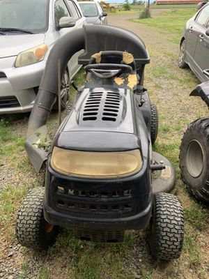 Lawn tractor for Sale in Gervais, OR