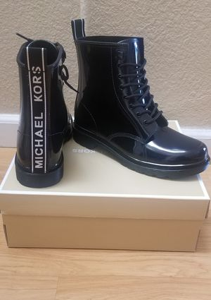 Michael Kors boots for women size 10 for Sale in San Jose, CA