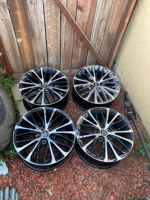 2020 Toyota Camry 18inch wheels , for Paint Price to Sell fast for Sale in Los Angeles, CA