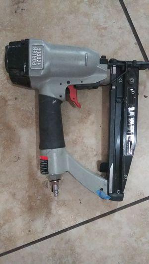 Nail gun PORTER & CABLE for Sale in Phoenix, AZ