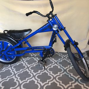 Schwinn chopper bike Trade for Ps4 for Sale in Willows, CA