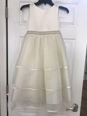 Super elegant ivory flower girl dress, size 8, worn once for Sale in Aurora, IL