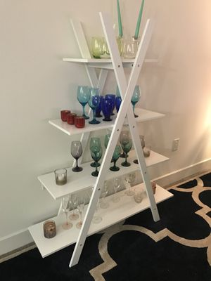 White shelves. Only a couple of months old. for Sale in Dallas, TX