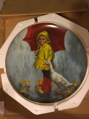 Giveaway! 1977 ducks by the pond collectible plate FREE for Sale in St. Petersburg, FL