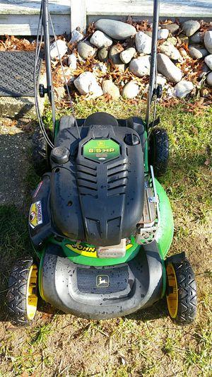 John Deere 6 and 1/2 horsepower self-propelled lawn mower no bag runs excellent $100 for Sale in Barnegat Township, NJ