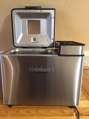 Excellent Condition Cuisinart CBK-200 2-Lb Convection Bread Maker for Sale in Pawtucket, RI