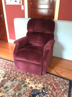 Golden Power Lift Chair Recliner for Sale in Renton, WA