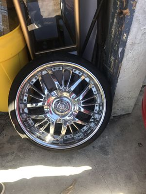 """Chrome rims 20"""" with 225/35/20 nitto. Tires for Sale in Torrance, CA"""