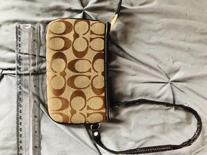 Coach wristlet for Sale in Brook Park, OH