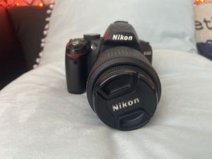 Nikon D3000 - Almost new! for Sale in Palm Bay, FL