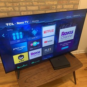 55-inch 4K HDR TCL Roku Smart LED TV for Sale in Chicago, IL