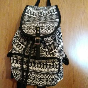 $10 Black & White Joe Boxer BackPack for Sale in Warren, MI