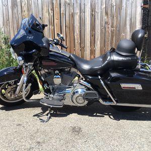 2007 Harley Davidson Electra Glide. Garage Kept Clean for Sale in Mount Rainier, MD