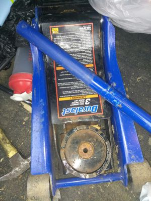 3 ton pump jack for Sale in Grosse Pointe Farms, MI