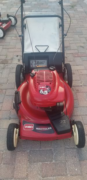 Toro lawn mower self propell in great conditions runs great for Sale in West Palm Beach, FL