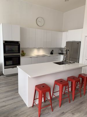 8' Feet. Kitchen Cabinets and Countertop for Sale in Miami, FL