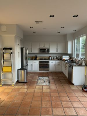 White Lower Cabinets & Appliances for Sale in Carlsbad, CA