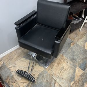 Salon Chair for Sale in Brooklyn, NY
