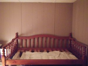 Day bed for Sale in Chase City, VA