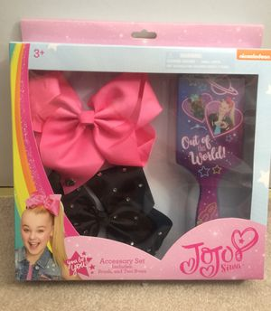 Brand new JoJo Siwa Accessory Set Includes brush, and two bows (pick up only) for Sale in Springfield, VA
