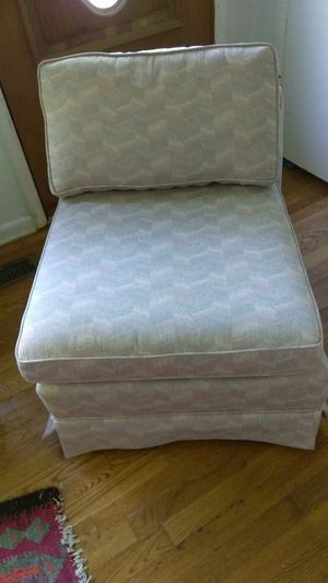 Patterned Slipper Boudoir Chair for Sale in Knoxville, TN