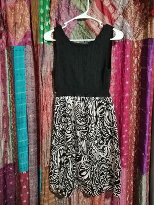 PRETTY SLEEVELESS DRESS BY CONNECTED - SIZE MEDIUM for Sale in Jacksonville, FL