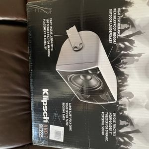 Klipsch Outdoor Speakers for Sale in San Bernardino, CA