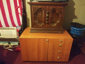 Really nice desk and night stand with drawers for Sale in University City, MO