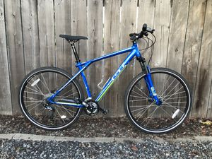 Mountain Bike, less than 500 miles! for Sale in Gresham, OR