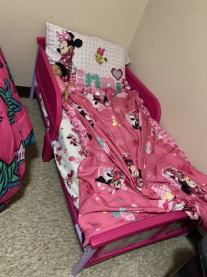 Toddler Minnie Mouse bed with mattress for Sale in Ferndale, MI