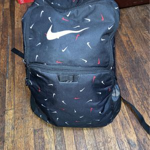Black & Red Nike Backpack for Sale in Columbus, OH