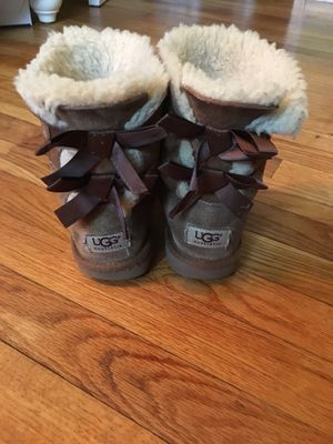 Ugg girls boots size 1 for Sale in Streamwood, IL