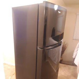 Blk Refrigerator for Sale in Rancho Cucamonga, CA