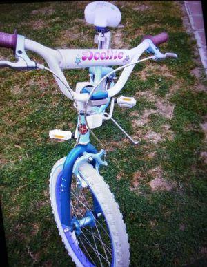 Schwinn Girl Bike for Sale in Kingsburg, CA