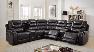 GRAY LEATHERETTE SECTIONAL SOFA RECLINER STORAGE CONSOLE USB CUP HOLDER / SILLON SECCIONAL for Sale in Downey, CA