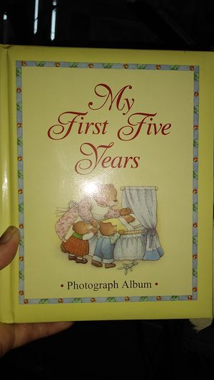 Free baby photo book for Sale in Spring Hill, FL