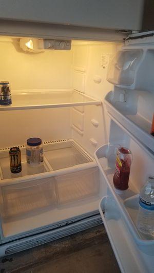 Free refrigerator for Sale in Mesa, AZ