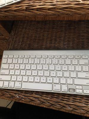 Apple wireless keyboard work well for Sale in Winter Garden, FL