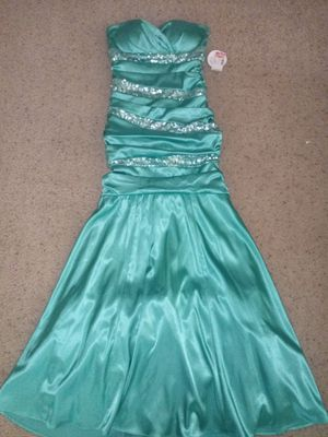NWT prom dress for Sale in Copperas Cove, TX