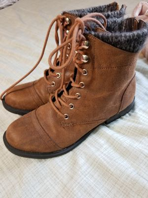 Women boots Size 71/2 for Sale in Glenwood, OR