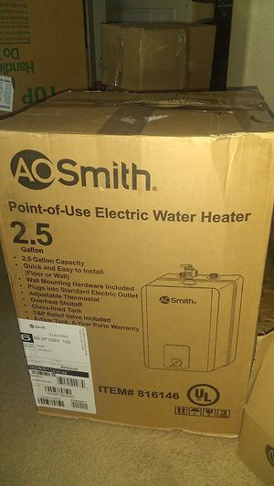 AO Smith 2.5 point of use electric water heater for Sale in Etiwanda, CA