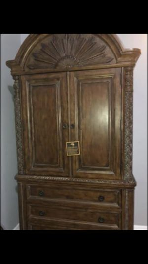 Like new Schnadig dresser armoire drawers for Sale in Orlando, FL