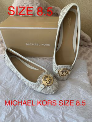 MICHAEL KORS SIZE 8.5 $65 Dlls NUEVO ORIGINAL MICHAEL KORS for Sale in Fontana, CA
