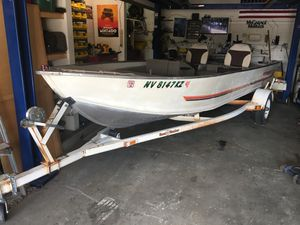 Bass tracker 17' fishing boat for Sale in Boulder City, NV