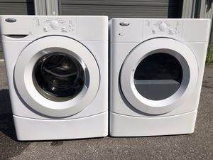 Whirlpool front load washer dryer set for Sale in Orlando, FL